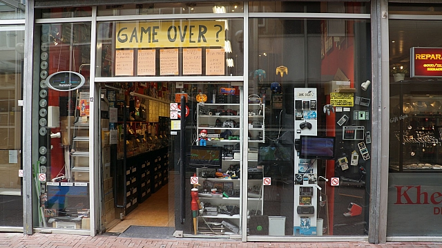 GAME OVER? Amsterdam – Retro Games Store « modelrail otenko