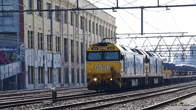 G536 on Steel approaching South Yarra Bridge