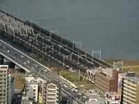 3 Hankyu Trains Race to Umeda