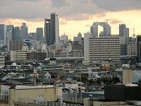 300 Series flies through the City (Osaka)