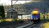 XPT heads east into Lithgow