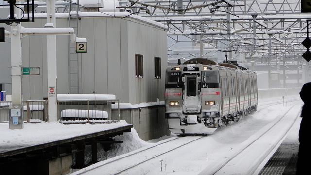 EMU approaching Sapporo
