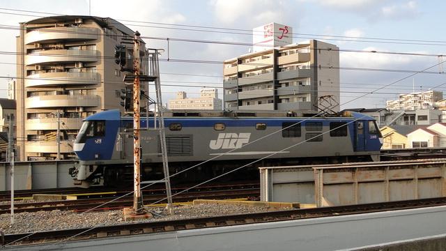 EF210-5 heading to Sakurajima Yards