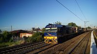 NR25 leads freight past Middle Footscray