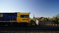 NR121 passing Middle Footscray