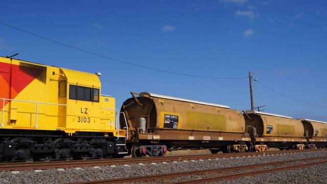 LZ3103 with grain consist at McIntyre Loop