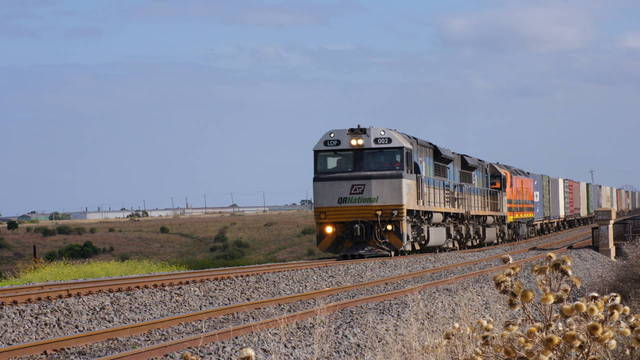 LDP002 on northbound freight through McIntyre