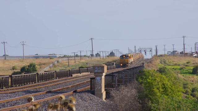 QR Grain transfer departs McIntyre Loop